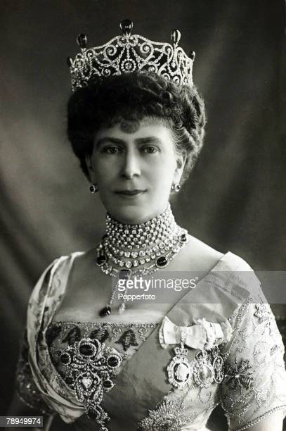 History Personalities British Royalty pic 1910's HMQueen Mary portrait Queen Mary born Mary of Teck became Queen Consort when her husband King George...