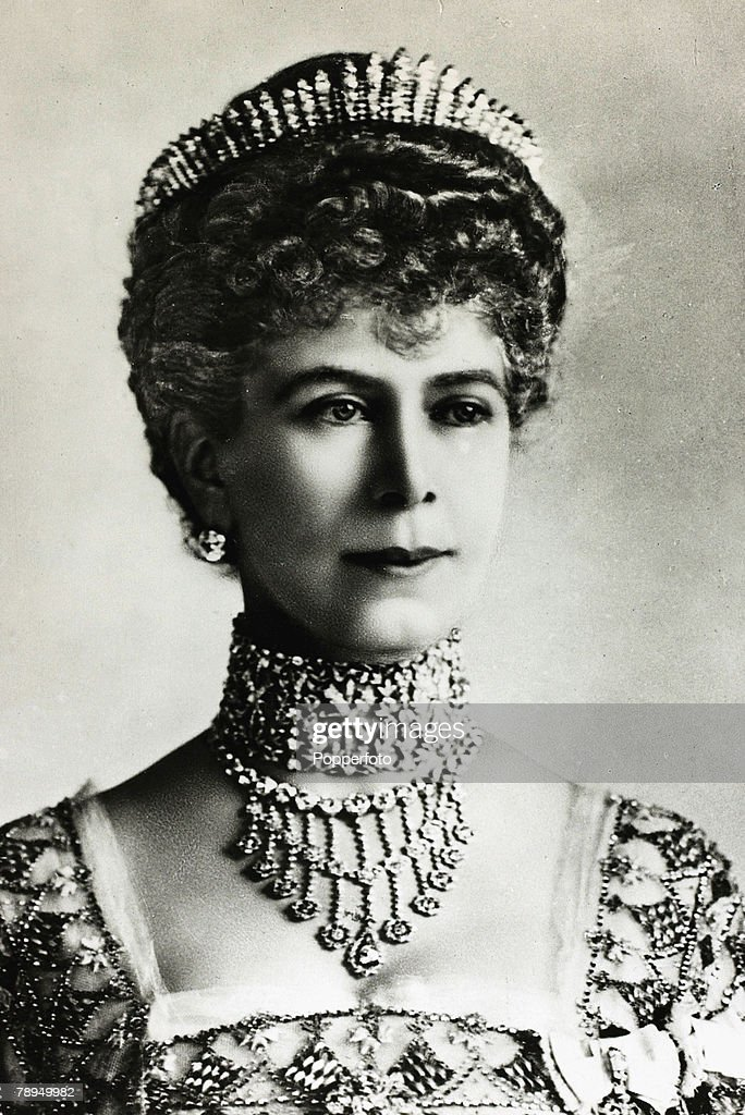 History Personalities. British Royalty. pic: 1920. HM.Queen Mary, portrait. Queen Mary (1867-1953) born Mary of Teck, became Queen Consort when her husband King George V ascended the throne in 1910. : News Photo