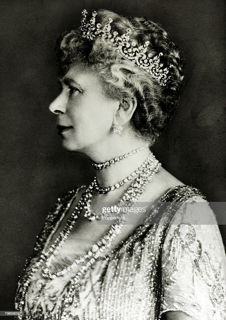 History Personalities, British Royalty, pic: 1920, HM,Queen Mary, portrait, Queen Mary (1867-1953) born Mary of Teck, became Queen Consort when her husband King George V ascended the throne in 1910 : News Photo