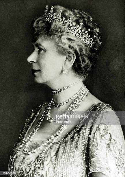 History Personalities, British Royalty, pic: 1920, HM,Queen Mary, portrait, Queen Mary born Mary of Teck, became Queen Consort when her husband King...