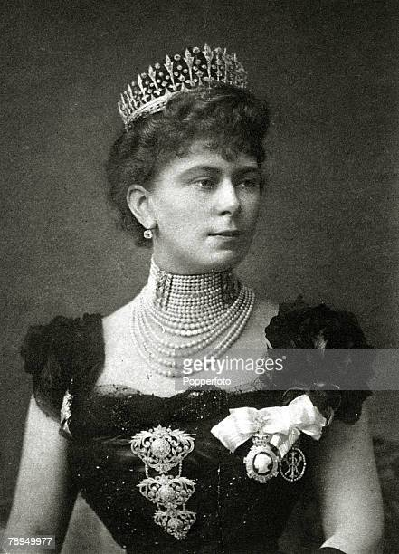 History Personalities, British Royalty, pic: circa 1890's, The Duchess of York, portrait, who later in her life became Queen Mary, Queen Mary born...