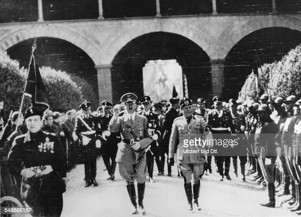 Hitler, Adolf - Politician, NSDAP, Germany *20.04.1889-+ Hitler on a state visit to Italy: Adolf Hitler and Benito Mussolini after the wreath-laying...