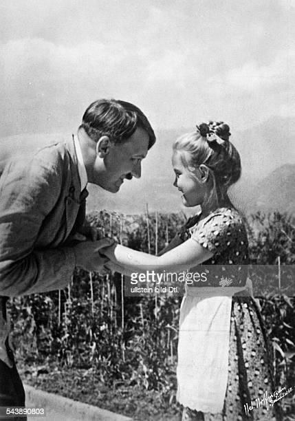 Hitler Adolf Politician NSDAP Germany*20041889 a little farm girl congratulates Hitler on his birthday Photographer PresseIllustrationen Heinrich...