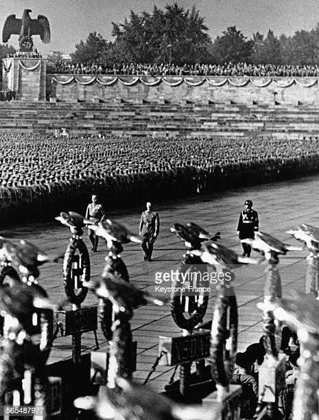 Hitler et Lutze lors d'un congrès du parti nazi le 11 septembre 1938 à Nuremberg Allemagne