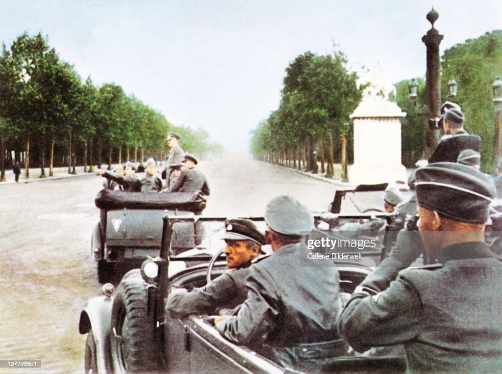 Hitler In Paris 1940 : News Photo