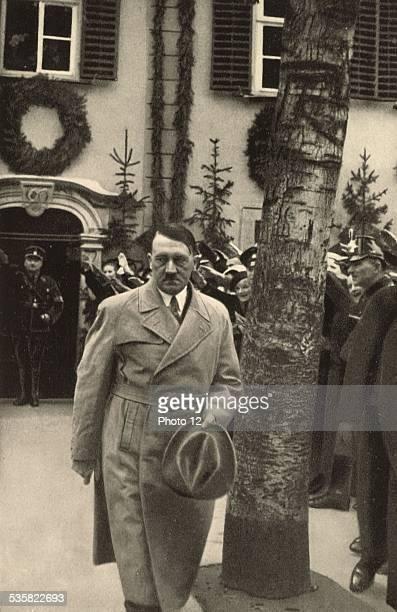 Hitler visiting Schiller's house in Weimar Weimar Republic