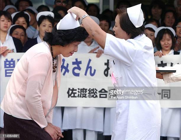 Hitomi Soga receives the nurse cap at Sado Sogo hospital on October 23 2002 in Kanai Niigata Japan Five of 13 Japanese nationals that North Korea has...