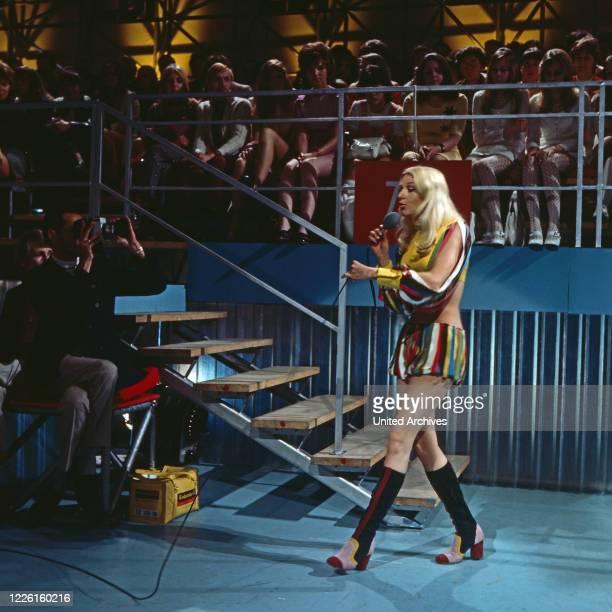 ZDF Hitparade Musiksendung Deutschland 1969 2000 Mitwirkende Liane Pech