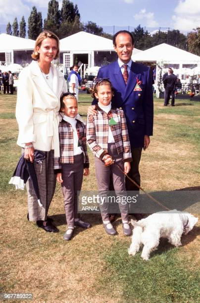 Hélène de Yougoslavie avec son mari Thierry Gaubert et leurs enfants lors du Trophée Lancôme à SaintNomlaBretèche le 15 septembre 1996 France