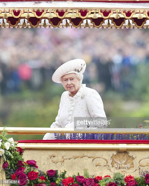 Hm Queen Elizabeth Ll On Board The Royal Barge For The Thames Diamond Jubilee Pageant