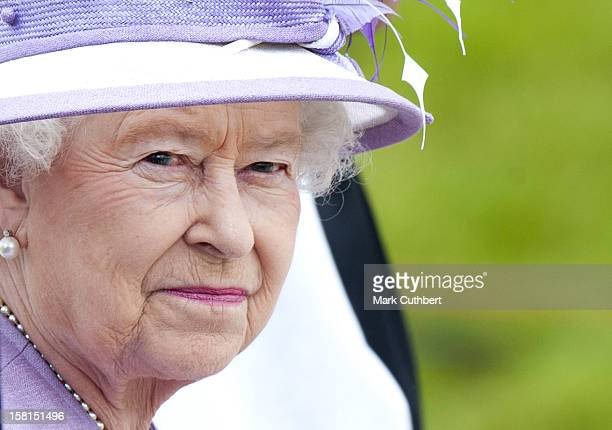Hm Queen Elizabeth Ll, Visits The National Memorial Arboretum Where She Attends A Service Of Commemoration And Pays Tribute To The 112 Members Of The...