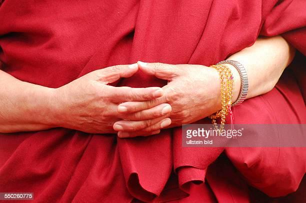 Händer seiner Heiligkeit der 14 Dalai Lama während einer Kundgebung unter dem Motte Freiheit für Tibet in Berlin