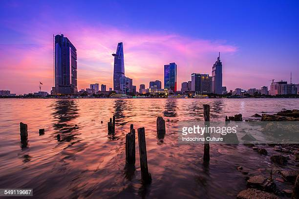 ho chi minh city at night - ho chi minh city stock pictures, royalty-free photos & images