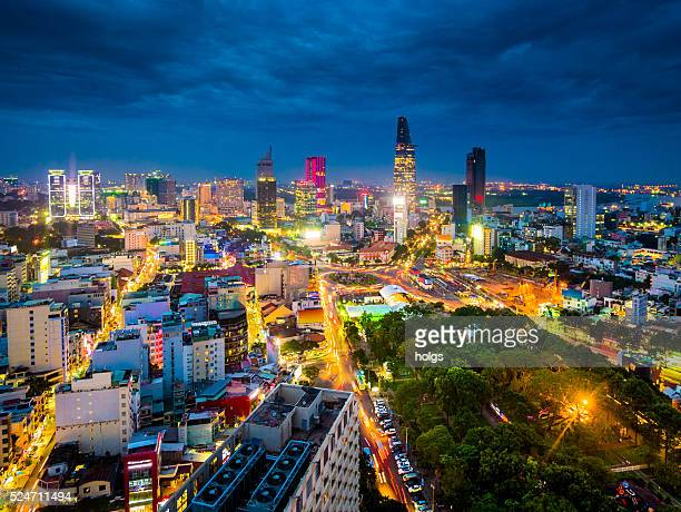 ho chi minh city in vietnam at night - vietnam stockfoto's en -beelden