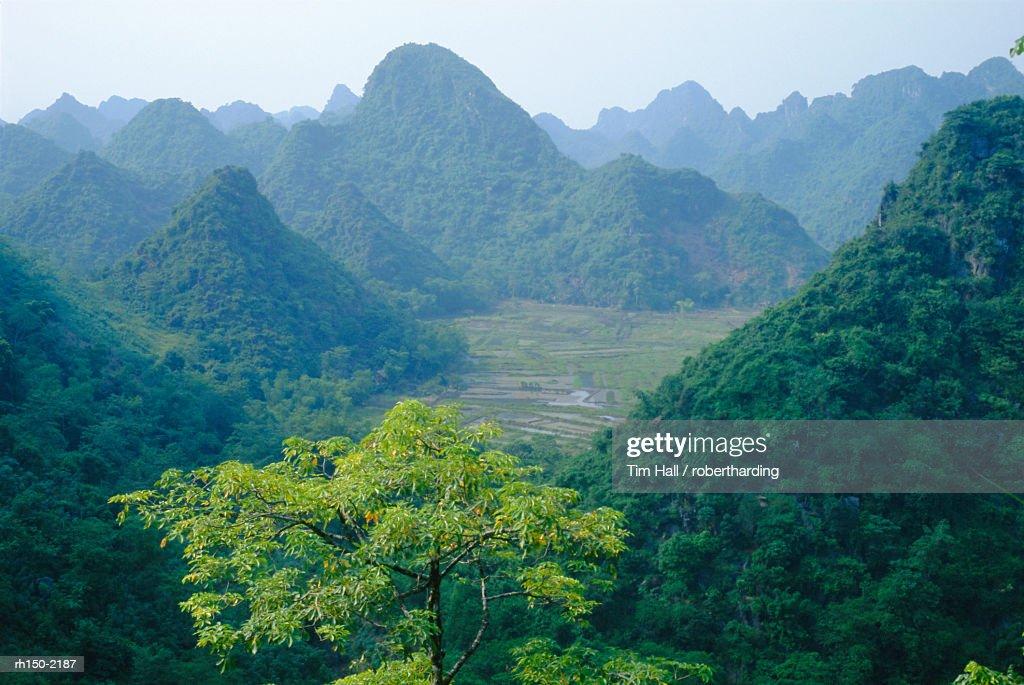 Hoang Son Mountains, Vietnam : Foto de stock