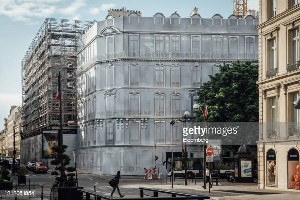 Hoardings cover the Christian Dior SE luxury goods store operated by LVMH Moet Hennessy Louis Vuitton SE during renovation work on Avenue Montaigne...