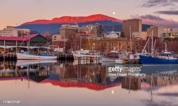 hobart sunrise - hobart tasmania stock pictures, royalty-free photos & images