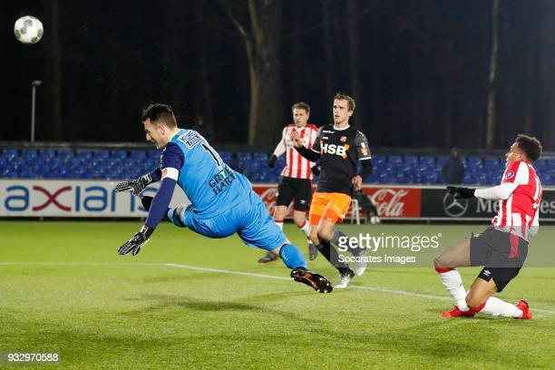 Hobie Verhulst of FC Volendam Donyell Malen of PSV U23 during the Dutch Jupiler League match between PSV U23 v FC Volendam at the De Herdgang on...