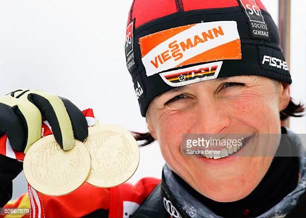 WM 2005 Hochfilzen 060305 10km Verfolgung Frauen 2 Gold fuer Uschi DISL/GER