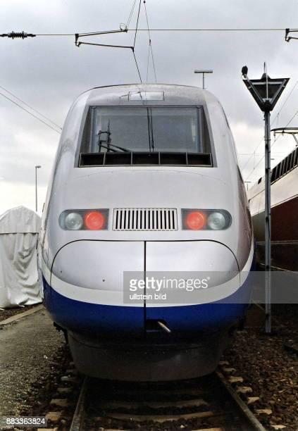 Hochgeschwindigkeitszug TGV Duplex Vorderansicht