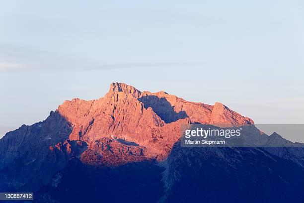 hochkalter mountain, in the morning, view from kneifelspitze mountain near berchtesgaden, berchtesgaden alps, berchtesgadener land district, upper bavaria, germany, europe - berchtesgaden alps stock photos and pictures