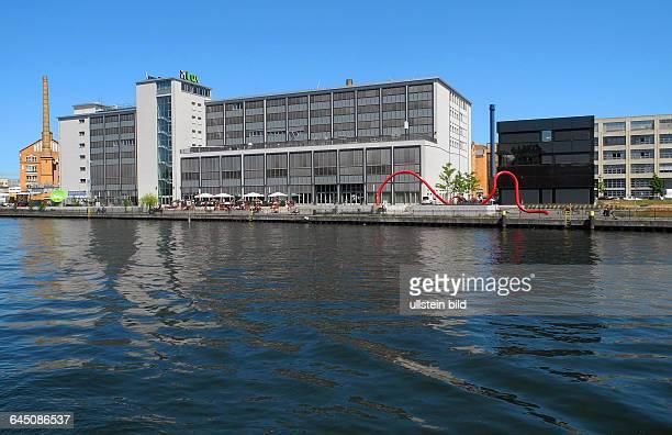 Hochschule fuer Technik und Wissenschaft mit Handwerk und Gewerbezentrum in Oberschoeneweide am Spreeufer