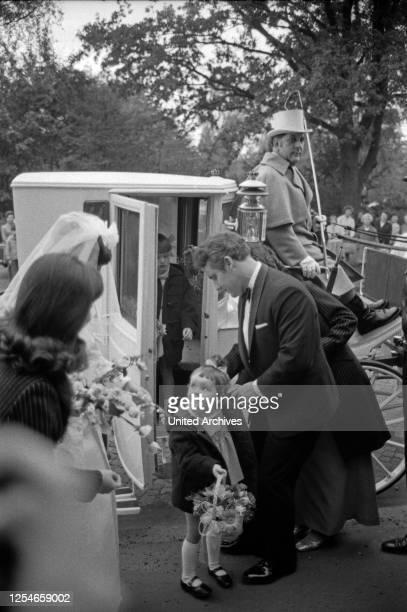 Hochzeit des deutschen Volksschauspielers Edgar Bessen mit Heidi Koehn in Hamburg, Deutschland 1960er Jahre.
