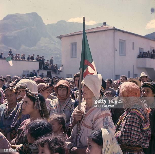 Hocine Ait Ahmed In Kabylie En Algérie dans la région de Kabylie lors d'une tentative de soulevement contre Ahmed BEN BELLA une femme portant un...