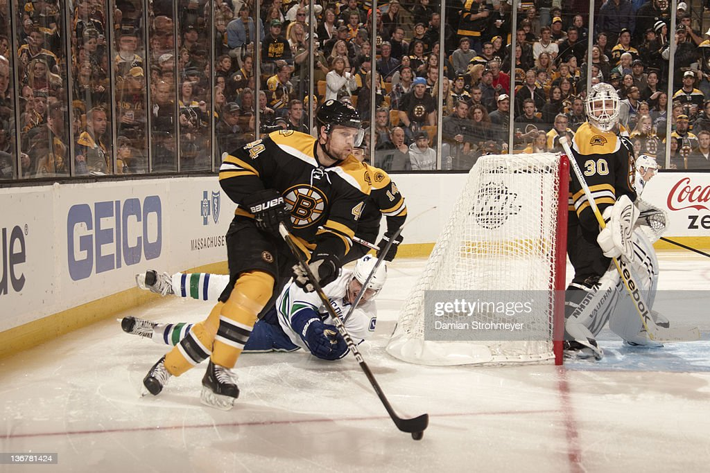 separation shoes c0dbc f6d76 Boston Bruins Dennis Seidenberg in action vs Vancouver ...