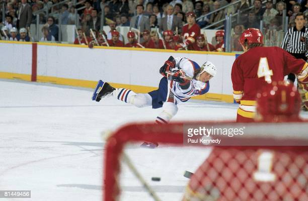 Hockey Edmonton Oilers Wayne Gretzky in action vs Calgary Flames during preseason Edmonton CAN 9/1/19819/31/1981