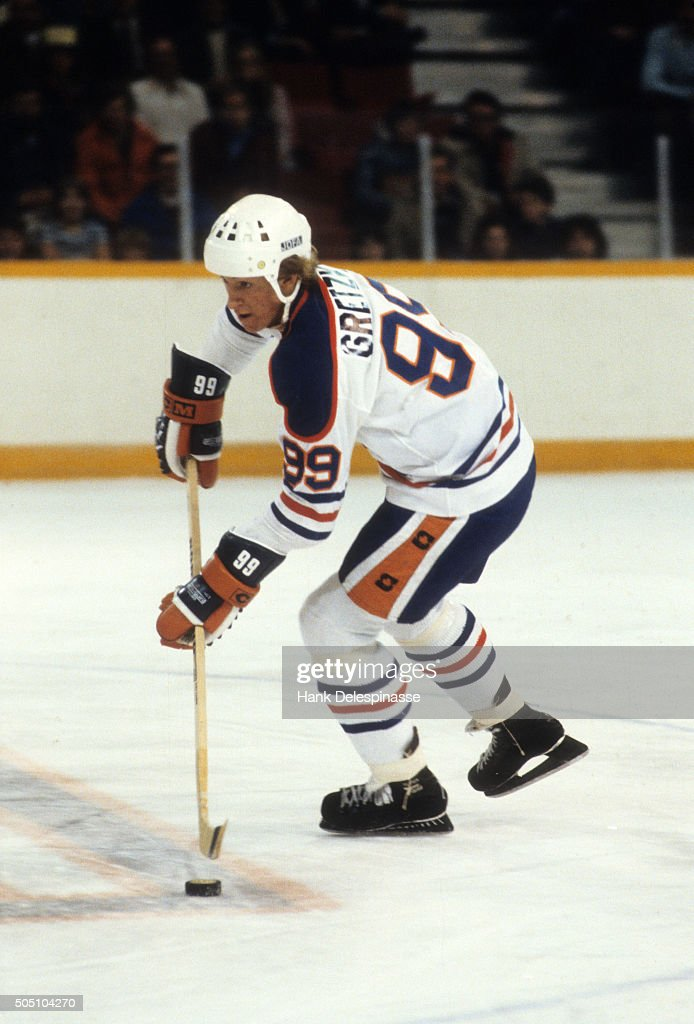 designer fashion da996 6f13a Edmonton Oilers Wayne Gretzky in action vs Indianapolis ...