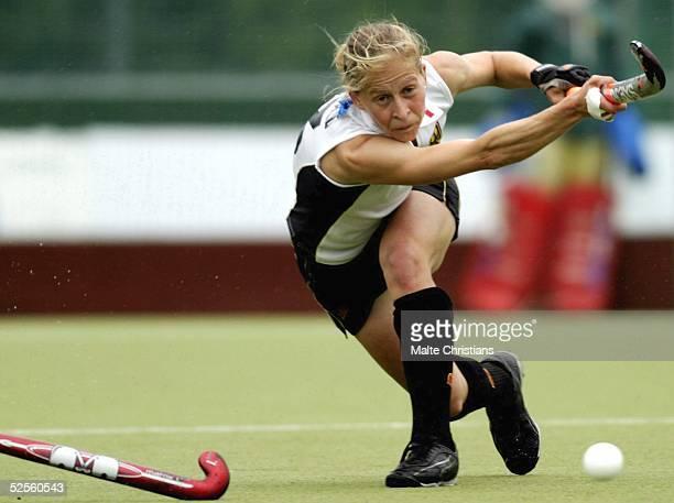 Hockey / Frauen: Vier Nationen Turnier 2004, Hamburg; Deutschland - Korea ; Marion RODEWALD / Deutschland 11.07.04.