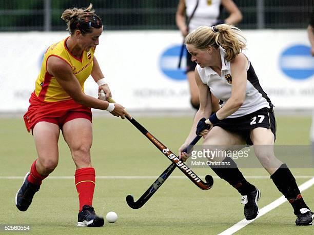 Hockey / Frauen: Vier Nationen Turnier 2004, Hamburg; Deutschland - Spanien ; Ana Raquel PEREZ / ESP, Sonja LEHMANN / GER 09.07.04.