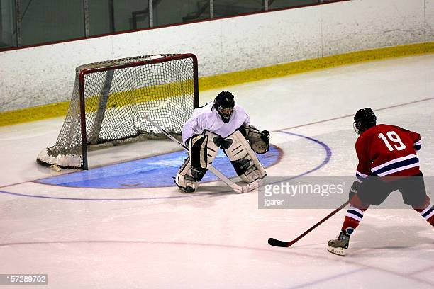 hockey goaltender action shot - ice hockey stock pictures, royalty-free photos & images