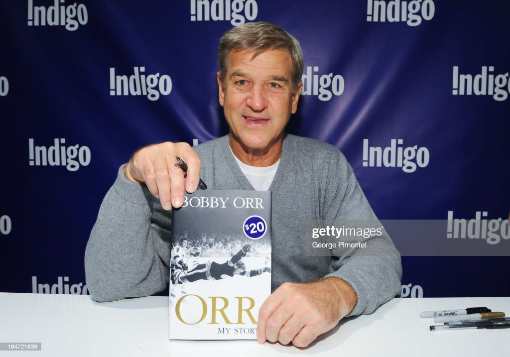 """Hockey Great And Hall Of Famer Bobby Orr Signs Copies Of His New Book """"Orr, My Story"""" : News Photo"""