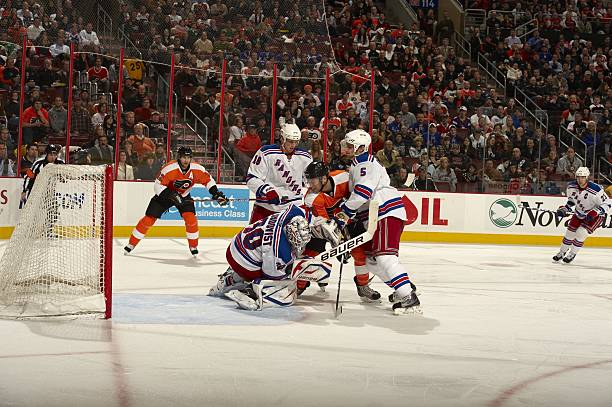 Philadelphia Flyers vs New York Rangers Pictures | Getty Images