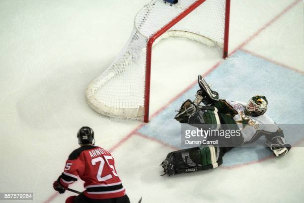 NHL Finals New Jersey Devils Jason Arnott in action scoring game winning  goal in double overtime a00a5609a
