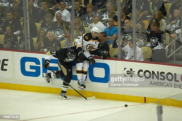 NHL Playoffs Boston Bruins Chris Kelly in action vs Pittsburgh Penguins Evgeni Malkin at Consol Energy Center Game 1 Pittsburgh PA CREDIT Damian...