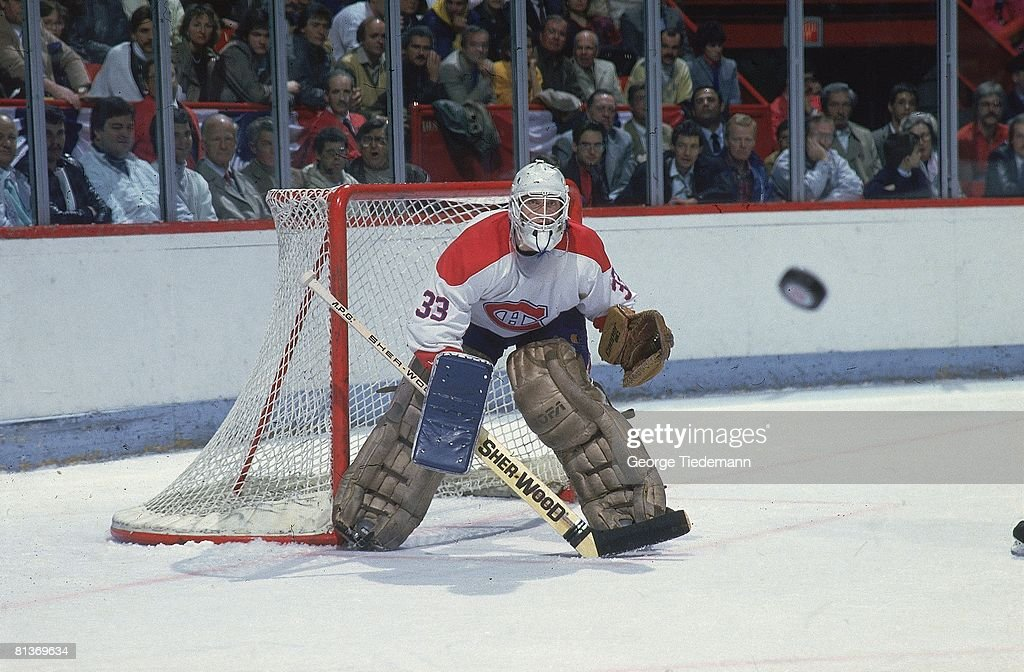 Montreal Canadiens Goalie Patrick Roy, 1986 NHL Playoffs : News Photo