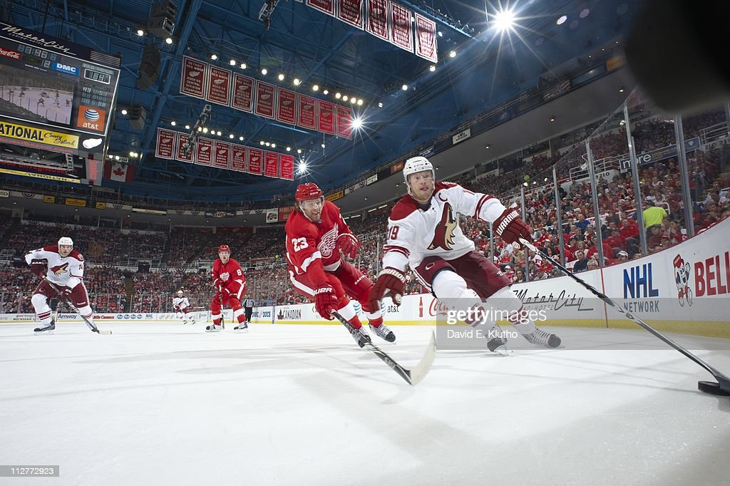 Phoenix Coyotes v Detroit Red Wings - Game Two : News Photo