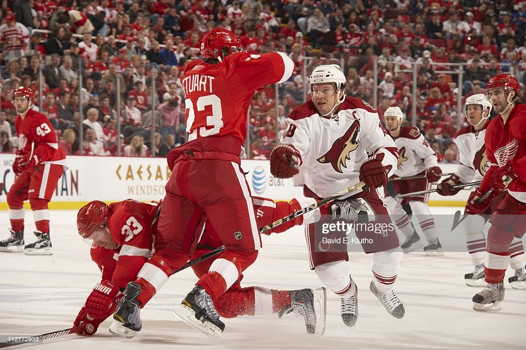 Phoenix Coyotes v Detroit Red Wings - Game Two : Nachrichtenfoto