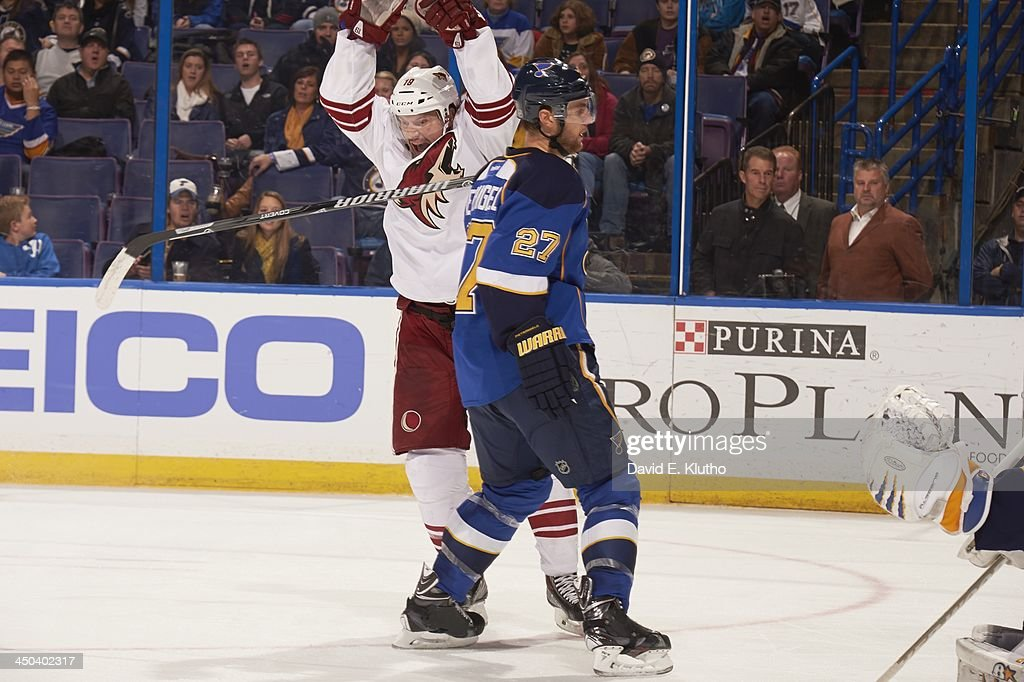 St. Louis Blues vs Phoenix Coyotes : News Photo
