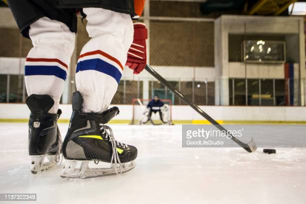 hockey - ice hockey player stock pictures, royalty-free photos & images