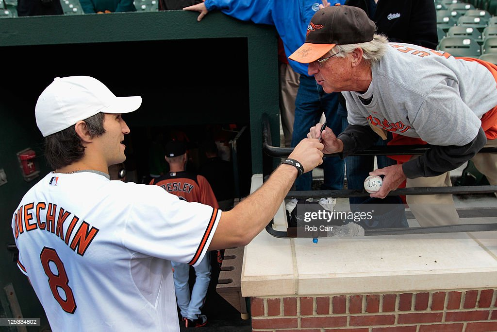 Los Angeles Angels of Anaheim v Baltimore Orioles : News Photo