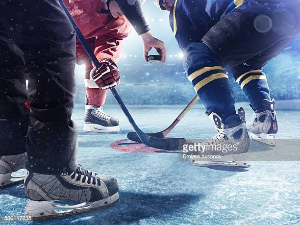 hockey players and referee start of the match - ice hockey stock pictures, royalty-free photos & images