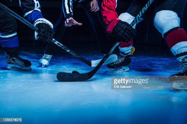 hockey players and referee starting match - winter sport stock pictures, royalty-free photos & images