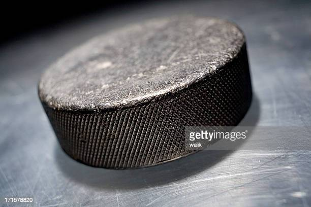 hockey puck - hockey puck stock pictures, royalty-free photos & images