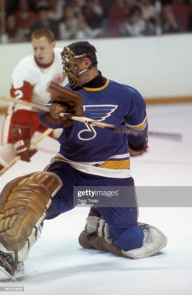 St. Louis Blues goalie Jacques Plante (30) in action vs Detroit Red Wings at Joe Louis Arena. Tony Triolo X13646 )