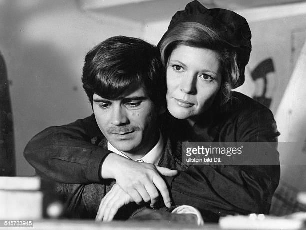Hoerbiger Christiane *Schauspielerin AT mit Wolfram Weniger in dem Fernsehfilm 'Eine egoistische Liebe'# August 1974