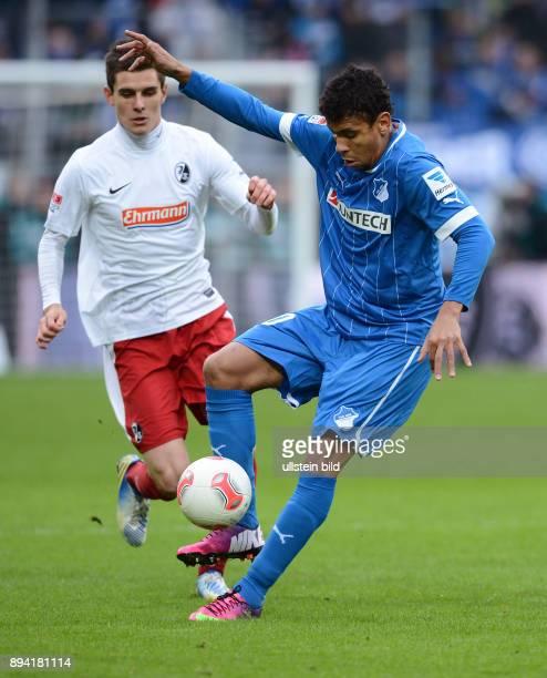 20 Spieltag Saison 2012/2013 FUSSBALL 1 BUNDESLIGA SAISON Hoffenheim SC Freiburg Igor de Camargo am Ball beobachtet von Johannes Flum